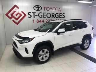 Toyota RAV4 LE AW LE 2019