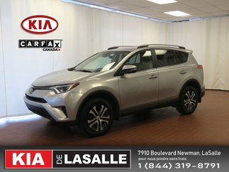 Toyota RAV4 LE // AWD // Bluetooth // Camera // Cruise // 2017