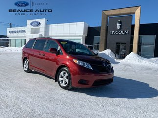 Toyota Sienna 7 Passagers / Mag / Air climatiser 2013