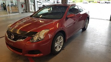 Nissan Altima Coupe S 2013
