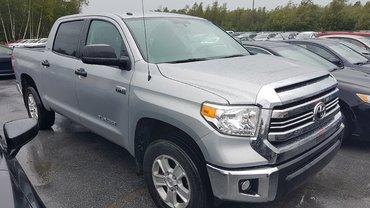 Toyota Tundra SR5  Crewmax Boite 5 pi 2016
