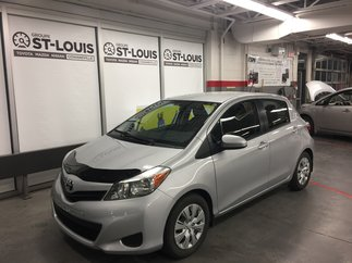 Toyota Yaris LE FULL 2014