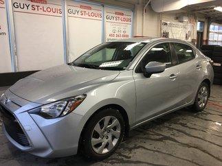 Toyota Yaris M/T / Gr Elect / Bluetooth / Cruise 2017