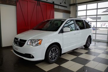 Dodge Grand Caravan SXT, BLUETOOTH, UCONNECT 2017