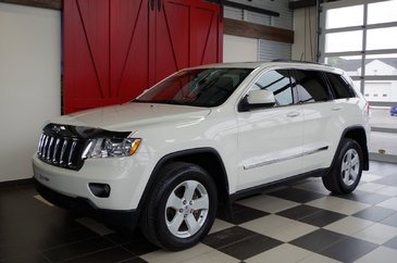 Jeep Grand Cherokee LAREDO 4X4 V6, CUIR, BLUETOOTH, TOIT OUVRANT, 2012