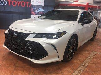 Toyota Avalon XSE NEUF V6 CUIR TOIT JANTES APPLE CAR PLAY 2019