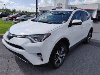 Toyota RAV4 XLE AWD PEA MAGS TOIT SIEGES CHAUFFANTS BLUETOOTH 2018