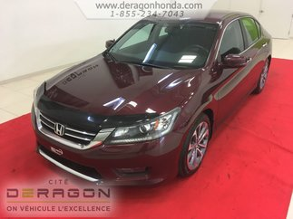 Honda Accord Sedan SPORT + JAMAIS ACCIDENTE + BAS KILOMETRAGE 2014