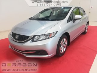 Honda Civic Sedan LX + BAS KILOMETRAGE + AUCUN ACCIDENT RAPPORTE 2015