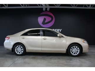 Toyota Camry XLE cuir toit mags 2011
