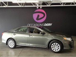 Toyota Camry LE 1 propriétaire dossier complet des entretiens 2014