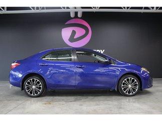 Toyota Corolla S 1 propriétaire cuir navigation toit ouvrant 2015