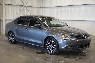 Volkswagen Jetta Sedan Highline (cuir-a/c-gr. électrique-toit-bluetooth) 2014