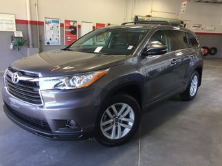 Toyota Highlander LE AWD Gr:A * 8 PASSAGERS* 2016