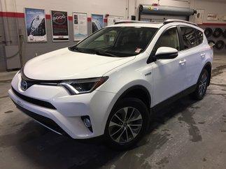 Toyota RAV4 Hybrid XLE *MAGS + TOIT* 2016