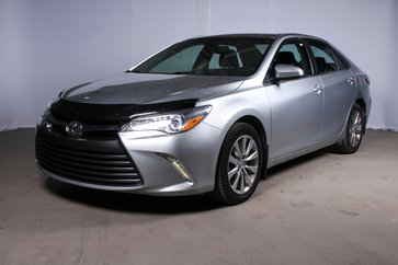 Toyota Camry XLE / TOIT / INT CUIR / NAVI 2015