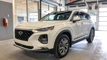 Santa Fe Luxury AWD 2.0T