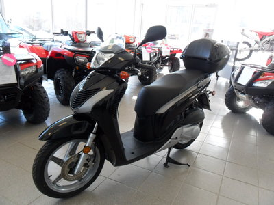 2010 Honda SH150I SCOOTER! RARE! EXCEPTIONAL CONDITION! BIG WHEEL!!!