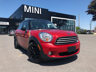 2014 MINI Cooper Countryman STEAL PRICE PANO RED ON BLACK HEATED SEATS VERY low KM