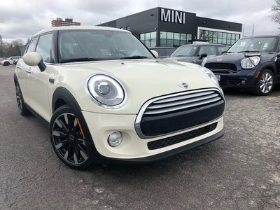 2015 MINI Cooper WHITE 5 DOORS L.E.D MINI CONNECTED SUNROOF KEYLESS HEATED SEATS