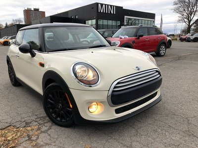 2015 MINI Cooper PANO AUTO BLACK RIMS HEATED SEATS PEPPER