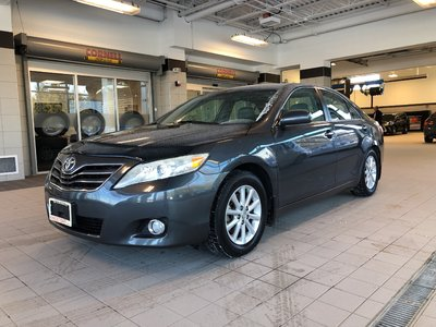 2011 Toyota Camry TWO Sets Tires,LOW KMS!