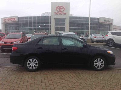 pre owned 2011 toyota corolla 4 door sedan ce 5m in. Black Bedroom Furniture Sets. Home Design Ideas