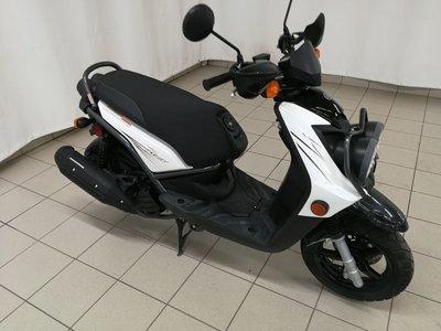 2010 Yamaha YW125