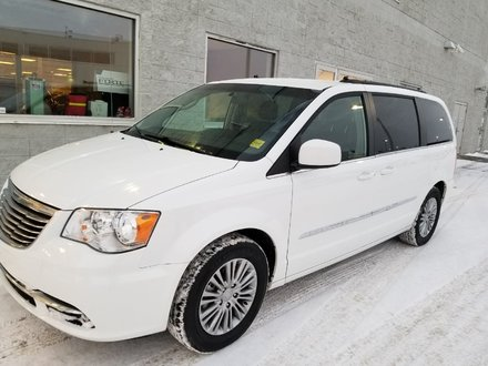 2015 Chrysler Town & Country TOURING | LEATHER | POWER DOORS | LOADED