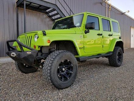 2013 Jeep Wrangler Unlimited Sahara **LIFTED**