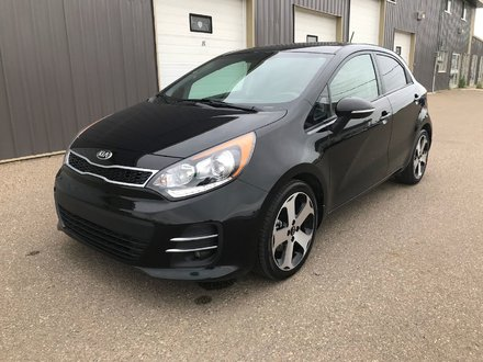 2016 Kia Rio SX **LEATHER-SUNROOF-NAVIGATION!!**