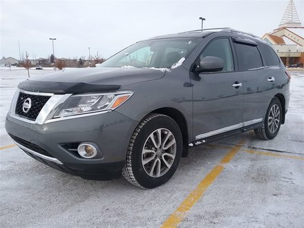 2015 Nissan Pathfinder SL **LEATHER-NAV-SUNROOF**