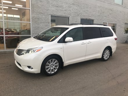 2017 Toyota Sienna LIMITED | LEATHER | NAVI | SUNROOF | DVD
