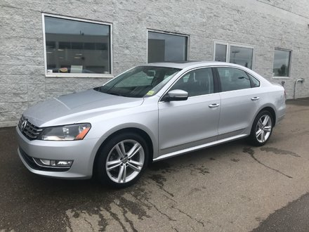 2013 Volkswagen Passat TDI Highline  | LEATHER | SUNROOF | ONE OWNER