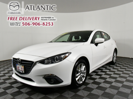 2015  Mazda3 Sport GS Sunroof Alloys Heated Seats