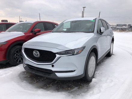 Mazda CX-5 Signature AWD at 2019