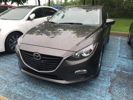 2015  Mazda3 GS   Heated Seats   Rear Camera   Bluetooth   A/C