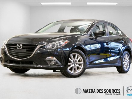 2015  Mazda3 GS M6 Toit Ouvrant Sieges Chauffants Caméra Recul