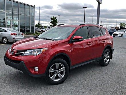 Toyota RAV4 XLE + SIÈGES CHAUFFANTS + TOIT OUVRANT 2015