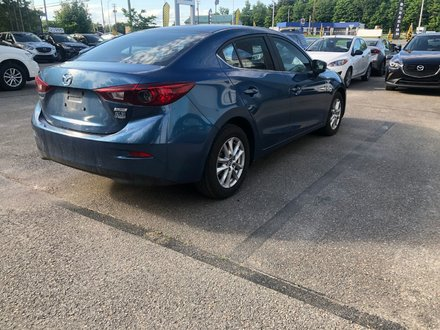 2017  Mazda3 GS automatique seulement 32029 km