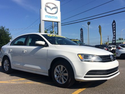 Volkswagen Jetta Sedan TRENDLINE AUTOMATIQUE CARPROOF DISPO 2015