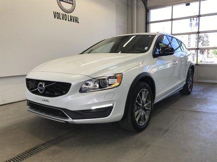 2017 Volvo V60 Cross Country T5 AWD Premier