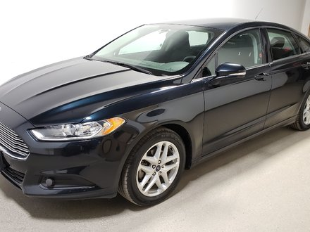 2014 Ford Fusion SE Wtr Tires/Rims Rmt Start Clean Low KM Bluetooth