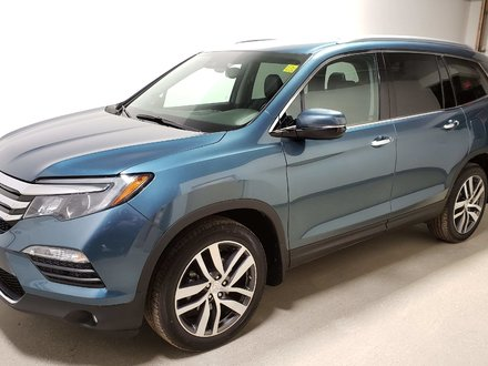 2016 Honda Pilot Touring Wtr Tires/Alloy Rims Certified DVD Navi
