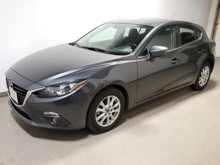 2015  Mazda3 Sport GS Alloy Traction Bluetooth Camera Htd Seats Local