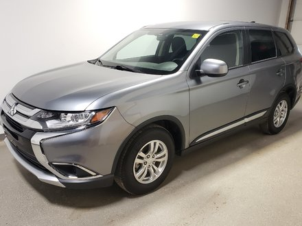 2018 Mitsubishi Outlander Heated seats Camera Eco Xm Dualzone 4WD