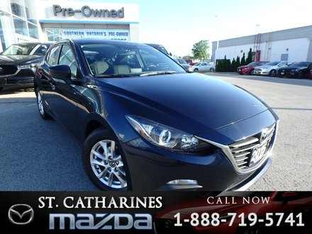 2015  Mazda3 Sport GS( Heated seats, Back-up Camera,Bluetooth)