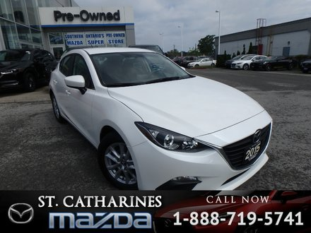 2015  Mazda3 Sport GS(Navigation, Heated Seats, Back Up Camera)