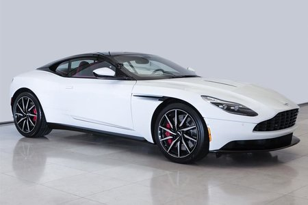 Aston Martin DB11 Coupe (2) 2017