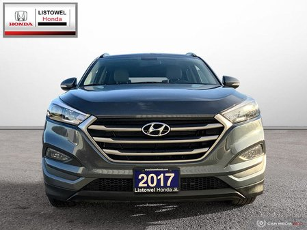 2017 Hyundai Tucson Luxury- ONE OWNER, LIKE NEW, NAVIGATION
